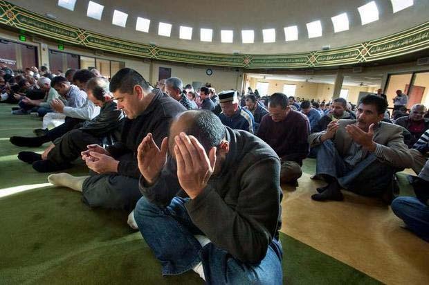California-Muslims-Pray-for-Rain-1