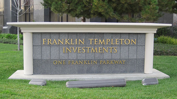 Franklin_Templeton_Investments_HQ_sign