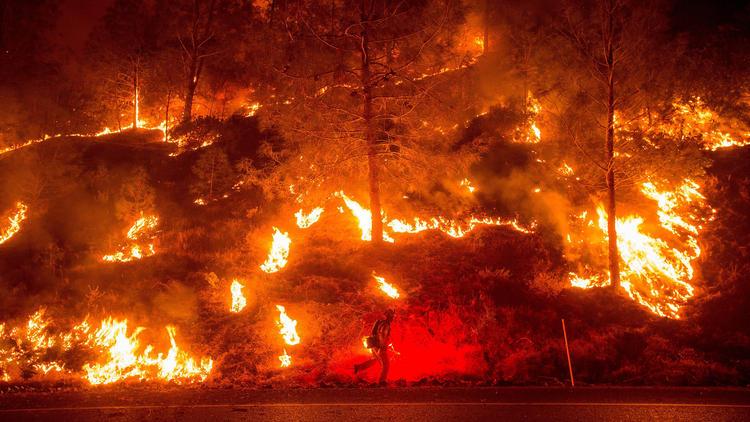 la-rocky-fire-backfire-20150802