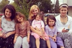 Мать-одиночка из Орегона может лишиться 6 детей