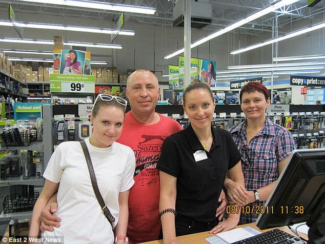 Татьяна и Мария Черных с родителями