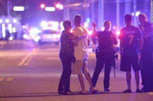 Нападение на гей-клуб в Орландо: погибли 50 человек