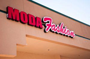 Русские магазины и аптеки в Сакраменто подверглись серии обысков