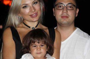 В Чикаго арестовали мать за вывоз дочери в Россию