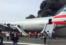 Чикаго загорелся самолет