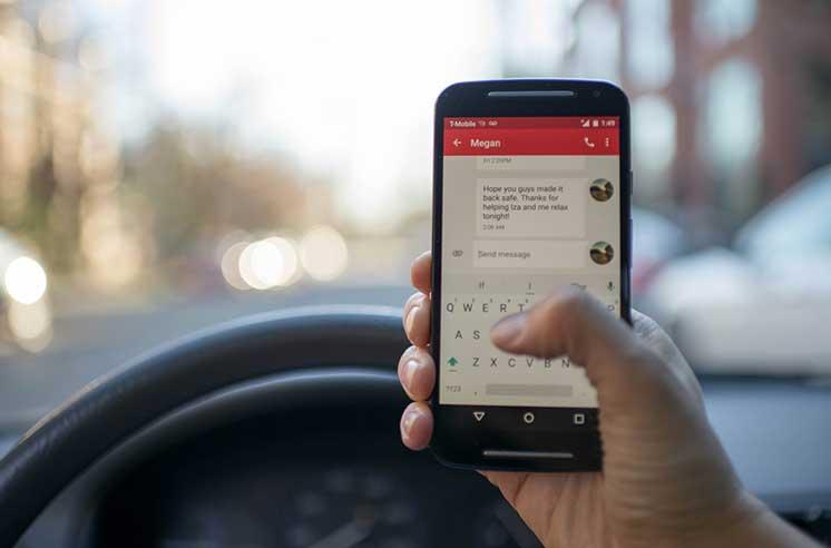 Правила пользования телефоном за рулем