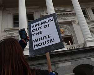 В Сакраменто требуют прогнать Путина из Белого дома в Вашингтоне