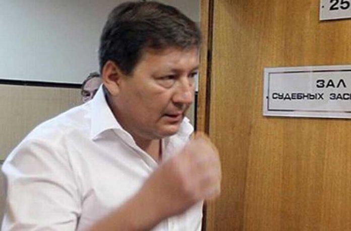 Анатолий Петухов