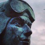 Памятник чкалова